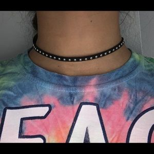 Studded choker (BUY 3 ITEMS FOR $10)